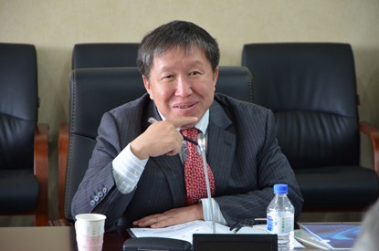The Editor-in-Chief Prof. Jianlin Cao addresses the meeting