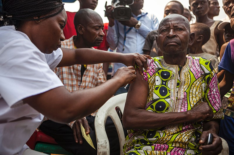 Man gets a yellow fever vaccine