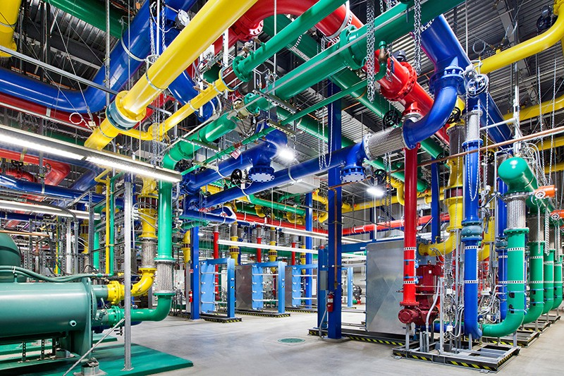 Cooling pipes in Google's data centre in Oregon