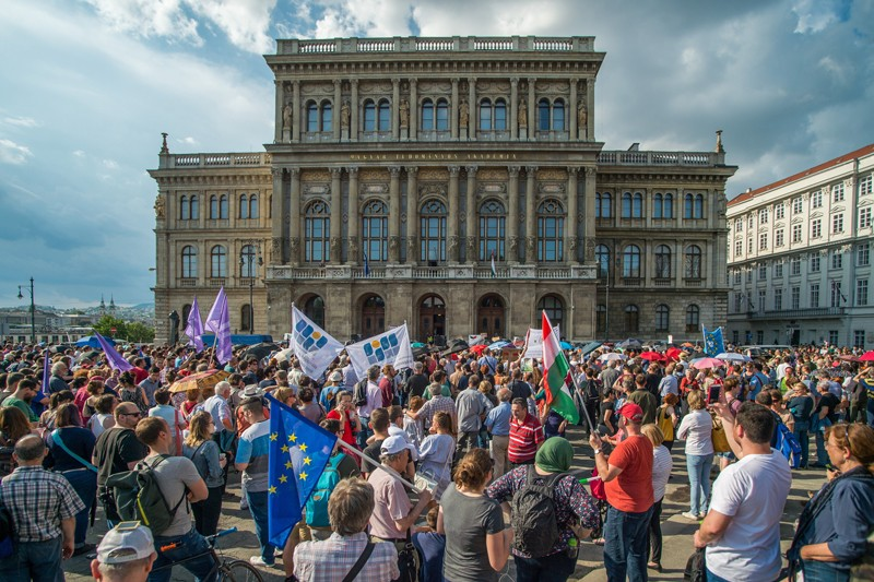 Crowds protest government plans outside the Hungarian Academy of Sciences