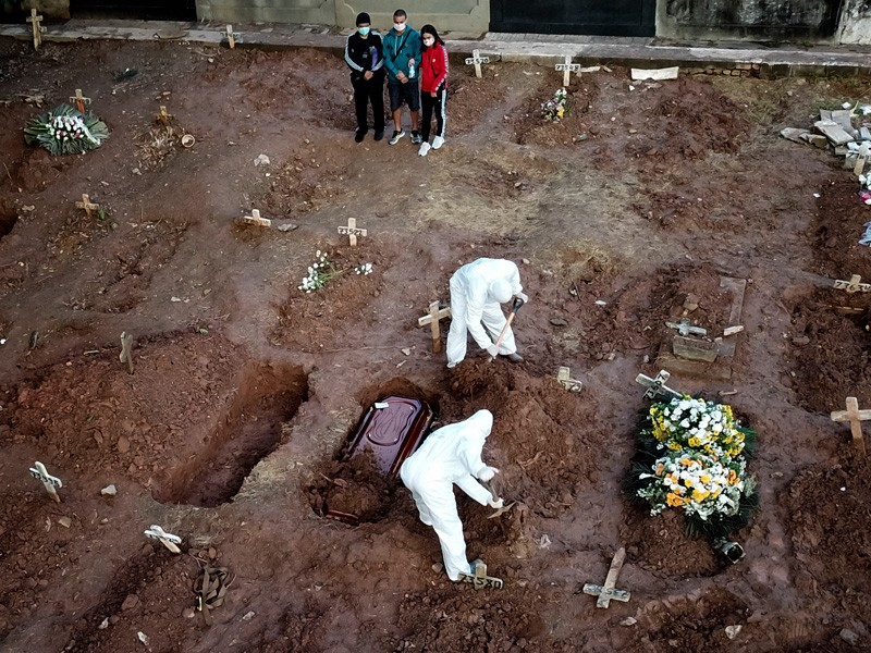 Relatives of Neide Rodrigues, 71, who died of the coronavirus disease (COVID-19) in Rio de Janeiro, Brazil.