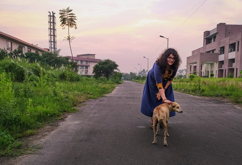 Anindita Bhadra interacting with a free-ranging dog