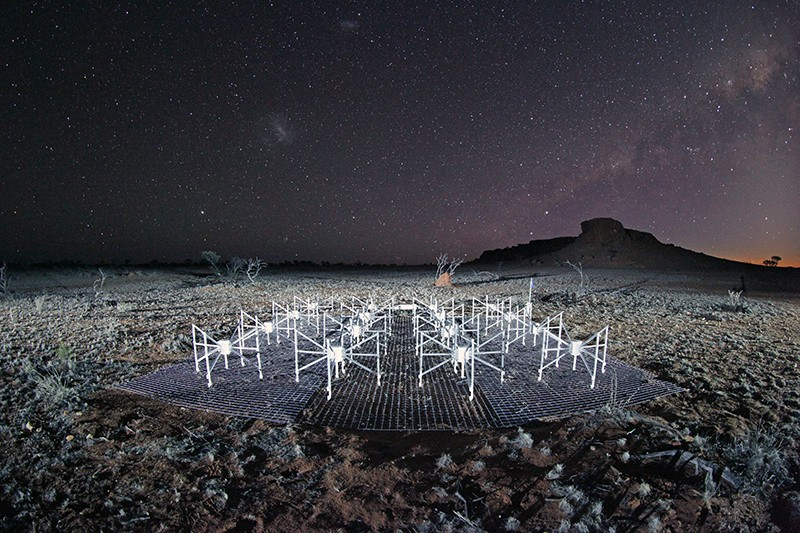 A radio telescope in Western Australia at night