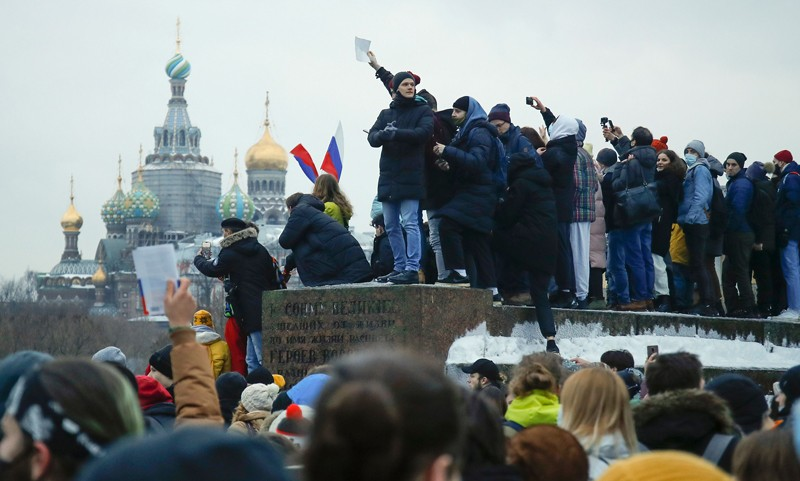 Crowds gather at a demonstration in St Petersburg