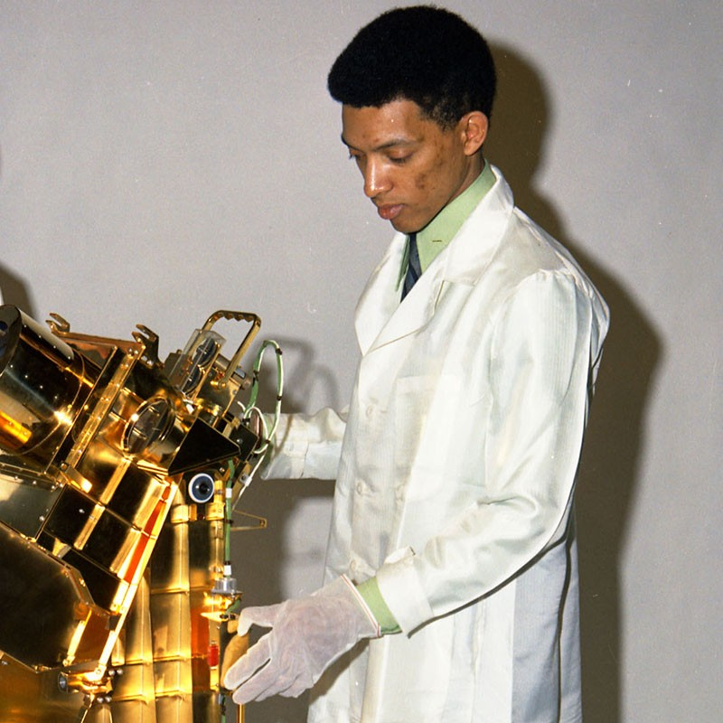 Gorge Carruthers with a gold-plated ultra-violet camera/spectrograph