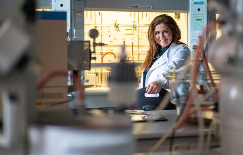 Silvia Giordani, İrlanda Dublin City Üniversitesi'ndeki laboratuvarında.