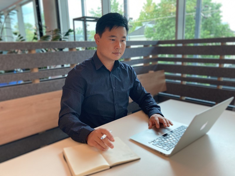 Tao Chen at work.