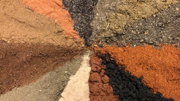 Dirt yields potent antibiotics : Research Highlights