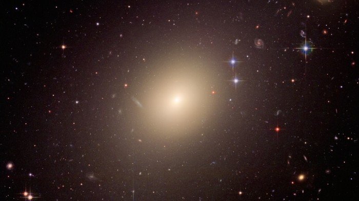 Image from the Hubble Space Telescope showing the ESO 325-G004 galaxy