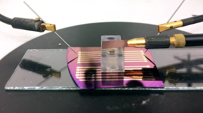 Transistor used for single molecule detection