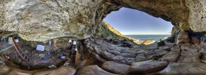 360 view of Blombos cave. To the left the dig can be seen, to the right the cave entrance can be seen