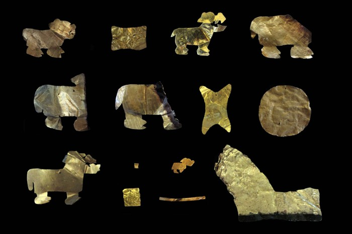 Gold artefacts recovered from Tiwanaku contexts at Khoa
