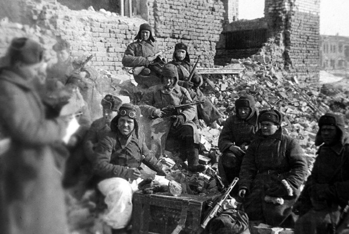 Soldiers of the Red Army take a break during the Battle of Stalingrad January 1943