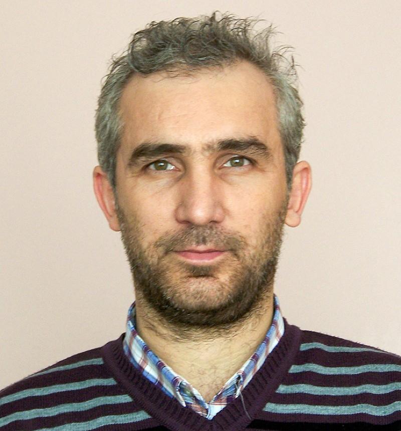 Ali Kaya. INSERT AT SMALL SIZE