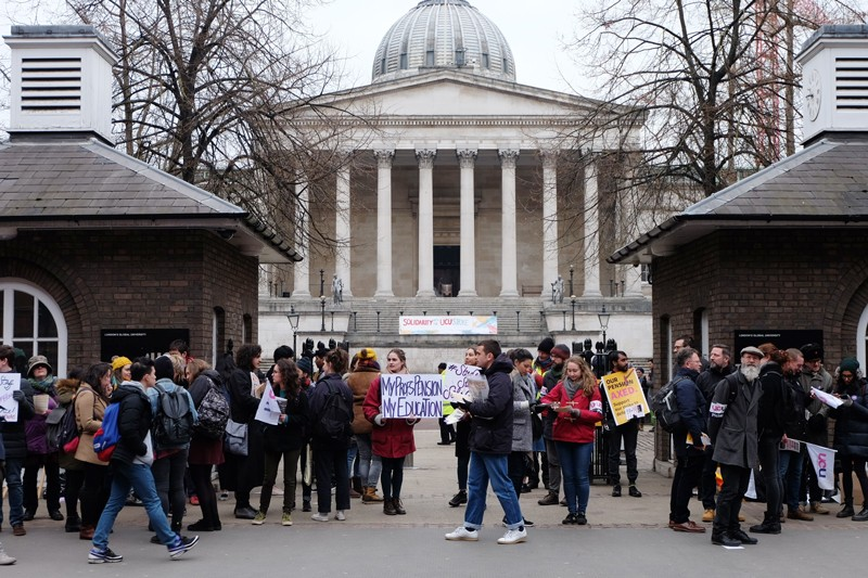 Students join academic staff on the picket line at University College London