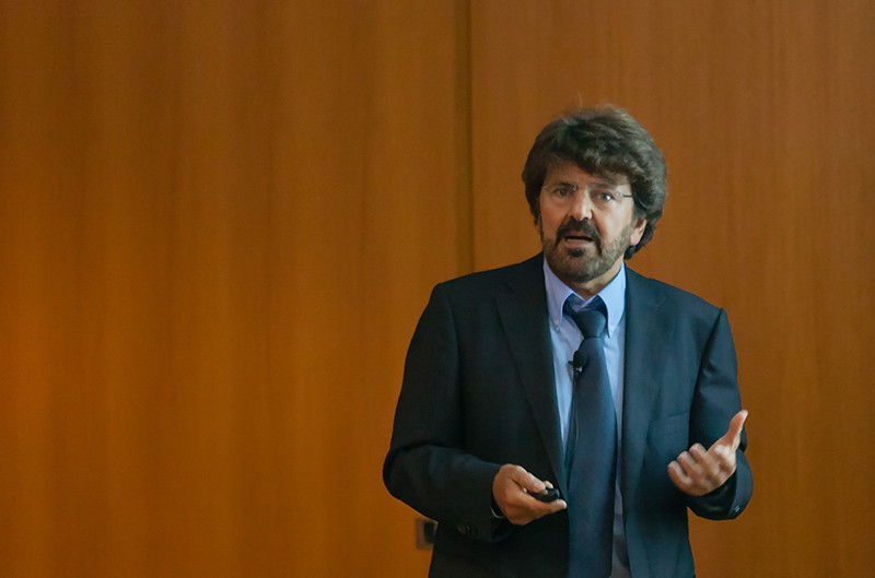 Nikos Logothetis gives a presentation at the Annual Rodolfo Llinás Lecture Series, hosted by the NYU Neuroscience Institute