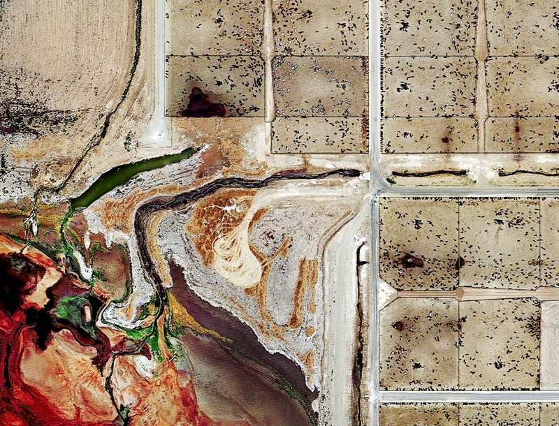 Satellite images of a large-scale cattle feedlot