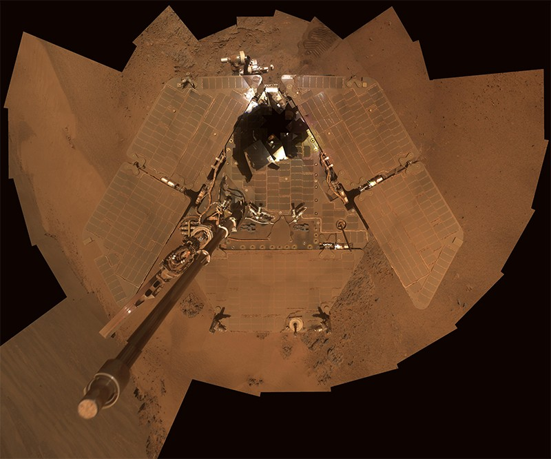 Selfie by NASA's rover Opportunity shows dust accumulation on the solar panels before a Martian winter