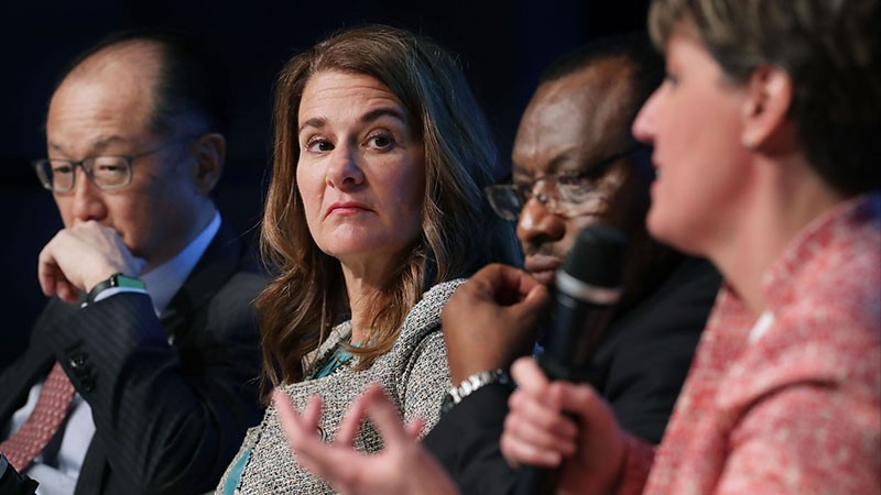 Leaders discuss an initiative of the World Bank Group.
