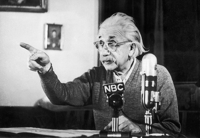 Albert Einstein giving an anti-hydrogen bomb speech in 1950
